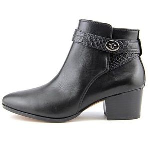 Coach EUC Black Leather Buckle Strap Ankle Boots